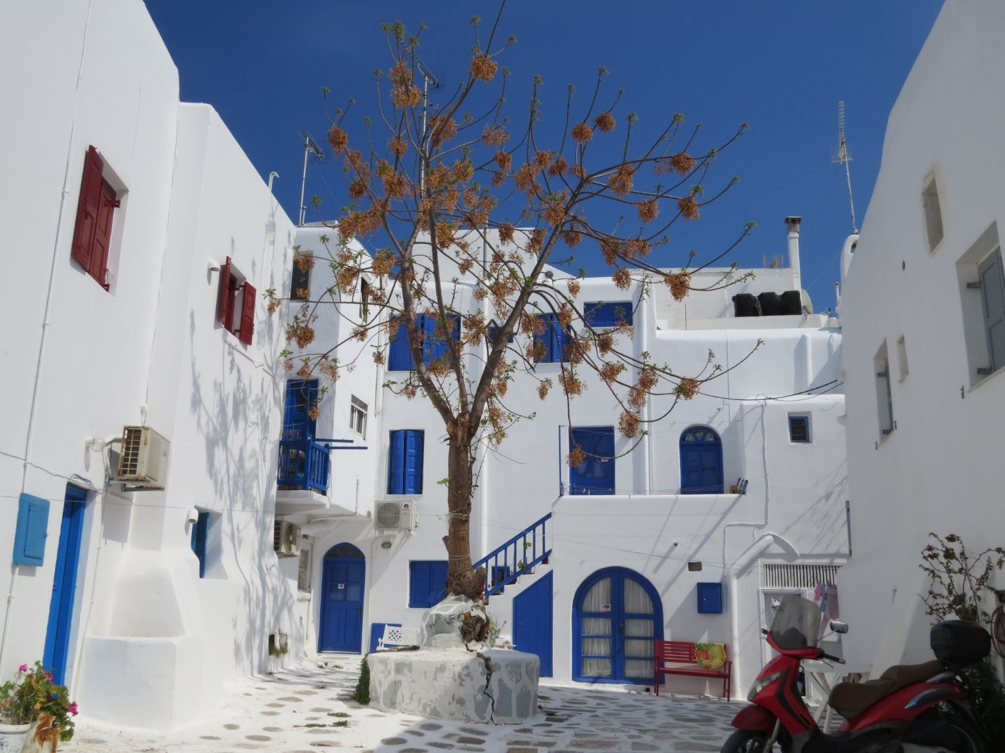 Mykonos Street with White House